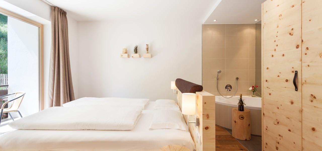 Superior Zirbe Luxoury Zimmer im Hotel Rainer@Superior Zirbe Luxoury Camera all´Hotel Rainer@Superior Zirbe Luxoury Room at Hotel Rainer